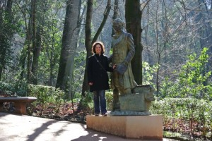 Washington Irving statue. Granada, Spain – Kristine Bruneau